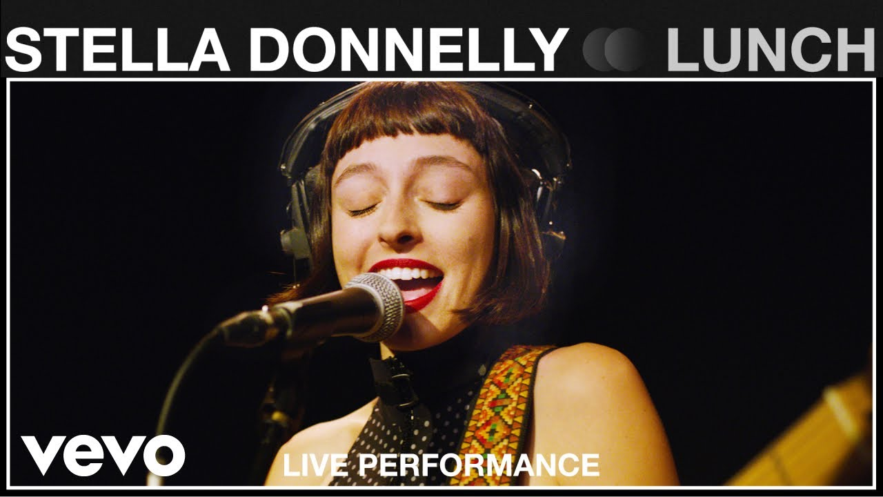 """Stella Donnelly - """"Lunch""""など2曲のライブ映像を公開 (An exclusive live performance for Vevo.) thm Music info Clip"""
