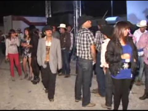 Grupo Legitimo Popurri 1 en la Boda de José Angel y Aracely 26 de Febrero del 2012 en Texas, Villa de Zaragoza, SLP Foto Melody 01 444 818 07 10 SLP Siguenos en Facebook Como Foto Melody