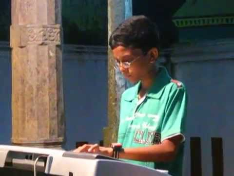 Oruvan Oruvan Mudhalali - Muthu | V.subikshavel (little Master) 10 Years Old video