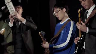 Pachelbel's Canon in D: Chinese Classical vs Indie Rock