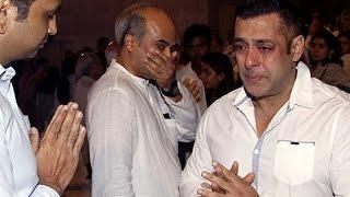 Salman Khan CRIES at Rajat Barjatya's Prayer Meet