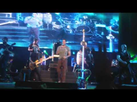 La Curita & El Malo - Romeo Santos En Hd (milano 2012) video