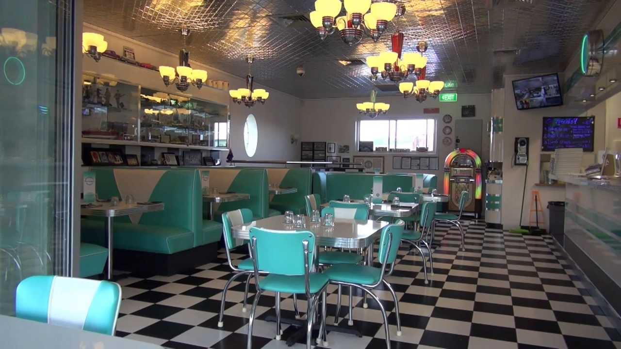Freestone S Roadhaven 1960 S Diner Amp Classic Car Museum