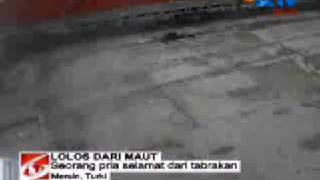 turkish accident with lucky man