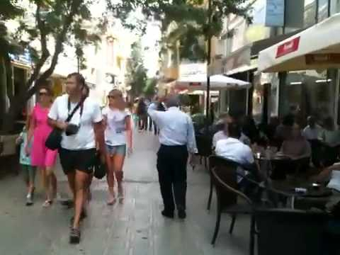 Walking up LIDRAS Street (Nicosia, Cyprus)