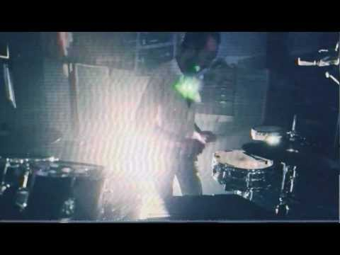 YEASAYER- &quot;REAGAN&#039;S SKELETON&quot; (POOL SESSION)