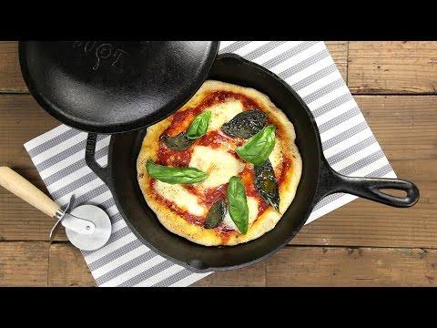 スキレットで自家製マルゲリータピザ