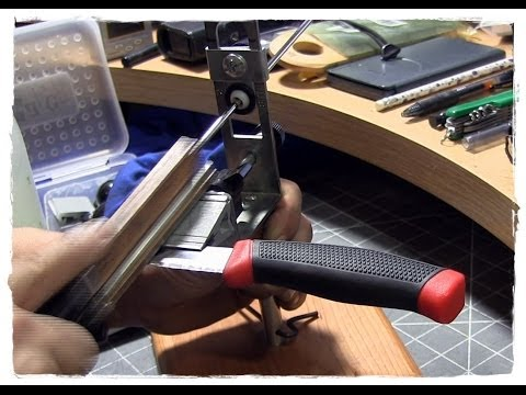 Sharpening The Mora Clipper On The KME Precision Sharpener