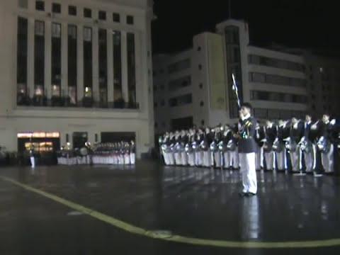 Desfile Colegio Salesiano encajonamiento