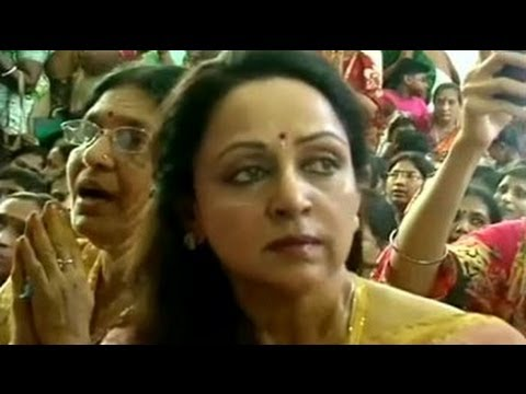 Hema Malini At Iskcon Temple video