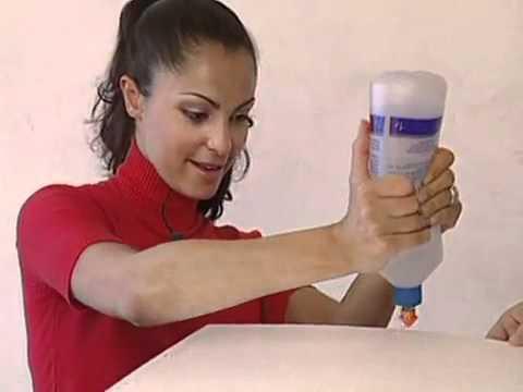 Видео как клеить потолочную плитку