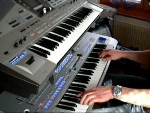 Besame Mucho. Tyros 4 et Roland E-80