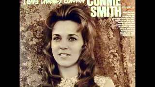 Watch Connie Smith Burning A Hole In My Mind video
