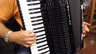 How to Play Balkan Music on Piano Accordion - Lesson 1 - Balkan Ornamentation Mordents
