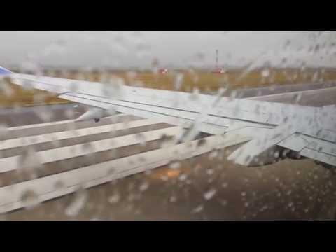 Southwest Airlines 737-300 Denver rainy departure