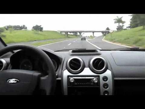 TEST DRIVE SP - Ford Fiesta Zetec Rocam 1.6 Flex 8v