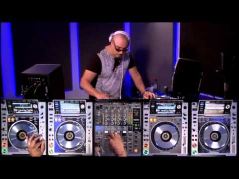 FAKE DJ´S vs REAL DJ´S (I mean; DJ with skills and love for the art vs cake thrower)