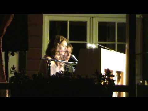 Kate Bush - Mrs. Bartolozzi