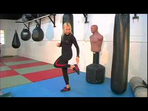 Women's Kickboxing Kicks : Women's Kickboxing: Crescent Kick Image 1