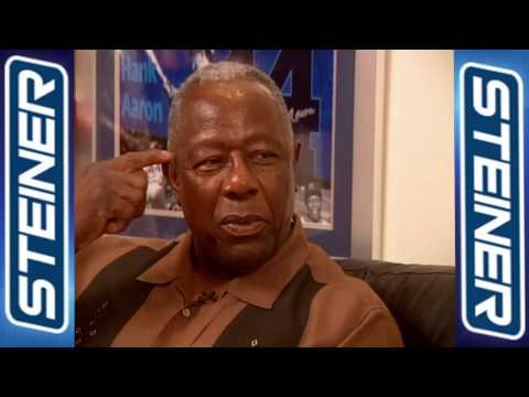 Hank Aaron Sees Himself in Alfonso Soriano(Steiner Sports Exclusive)