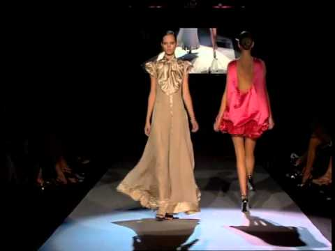 Zac Posen S/S 2007 - youtube