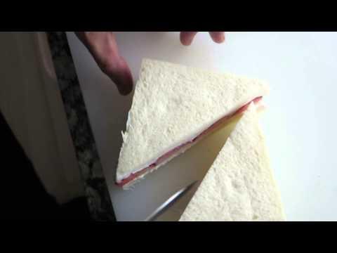 ■サンドイッチを切る