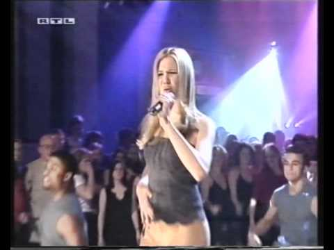 Mandy Moore - Candy - live at Top Of The Pops 2000