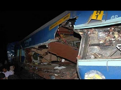 Bangalore-Nanded Express collides with lorry in Andhra; 5 dead, probe ordered: NewspointTV