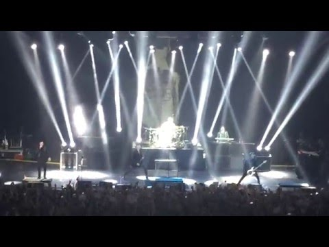 Three Days Grace - I Am Machine (LIVE in Minsk, Belarus)