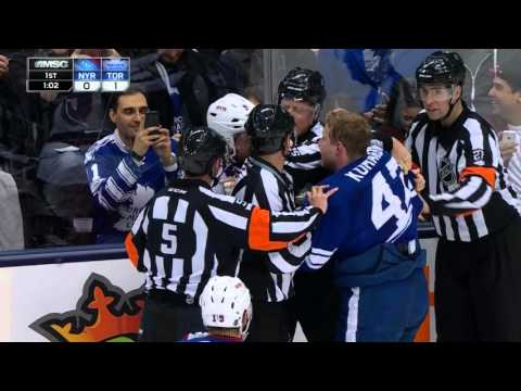 Gotta See It: Komarov ejected after elbow to McDonagh's jaw