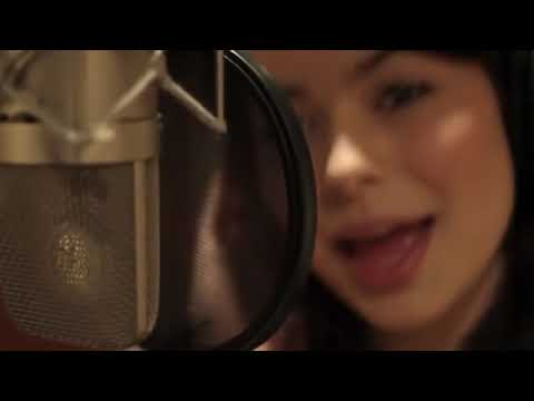 Miranda Cosgrove-Party Girl