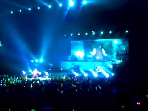 [Rain (Bi) Fancam]110525 'The Best' concert in Shanghai_By christinaish_ 01_Talk+Love is