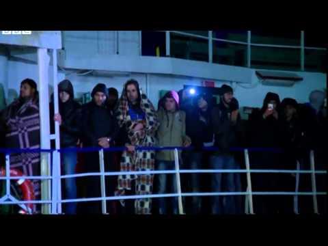 Abandoned migrant ship Ezadeen reaches Italy
