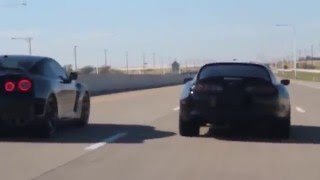 Supra vs R35 Skyline GT R Dead Stop on Highway