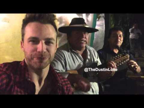 Noche de Peñas En Salta - [Dos Yanquis Sueltos En Argentina] - Ep. 03 [English Subtitles]