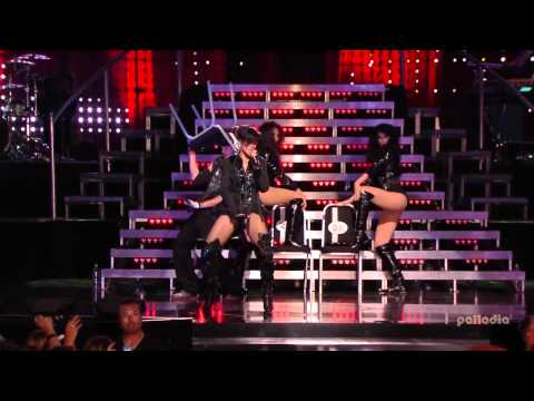 Rihanna - Shut Up And Drive (LiVE  The VH1 Pepsi Smash Super...