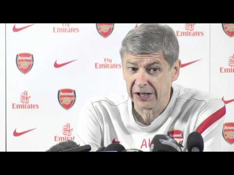 Liverpool v Arsenal | Wenger disappointed with RVP injury