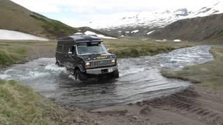Ford 250XL Econoline Iceland River Crossing 4x4