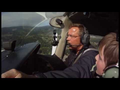 10 year old pilot in a Cessna 172. Flight training. Part 1