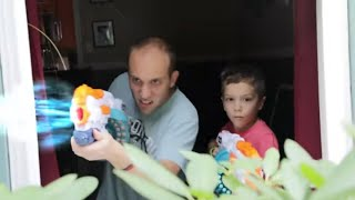 Nerf War : Flying Bug Attack 2 (The Return of the Swarm)