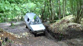 Old Clip - Mitsubishi Pajero - Steep Hill Climb