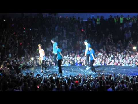 Justin Bieber in Oslo, Telenor Arena April 16. 2013 (Drumsolo + One less Lonely Girl Performance)
