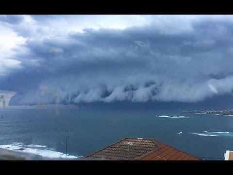 [Cloud tsunami Sydney] Video