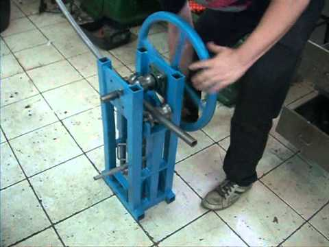 calandra manual artesanal - homemade ring roller
