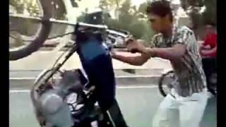 YouTube   hadunet com Clip Sock Nằm úp trên đường để bốc đầu xe máy