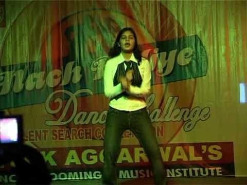 Vivek Aggarwal Show Minoti (kay Sera Sera Performed) video