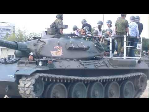 陸上自衛隊・第10師団・創立49周年 装備品展示(戦車試乗)