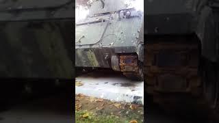 Lần đầu tiên được nhìn thấy xe tăng 😱😱😱😱