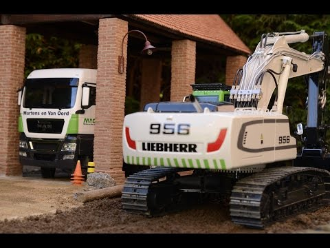 Best of LIEBHERR RC Excavators at the construction site - Great RC Fun!