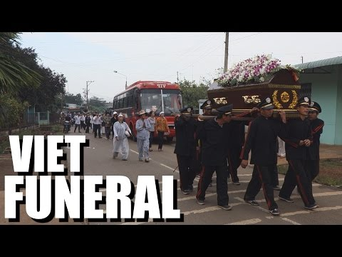 Culture Crash Vietnam: My Grandfather's Funeral.